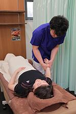 手首への施術